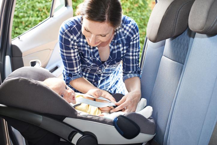 Rückwärtsgerichteter Transport für Kinder sicherer?
